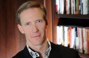 Michael Raynor -đồng tác giả cuốn sách về 3 nguyên tắc nổi bật cho doanh nghiệp. Ảnh: Deloitte