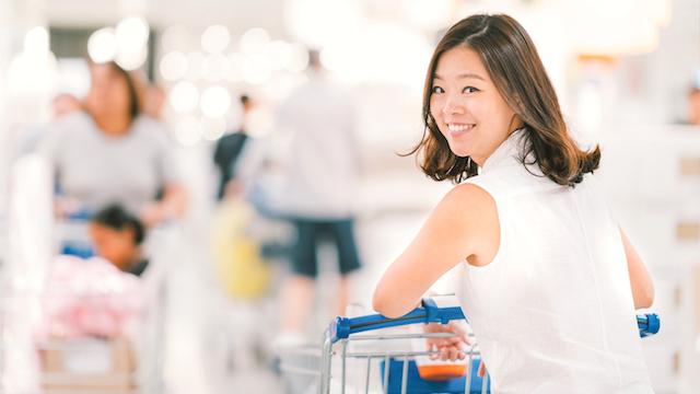 Smiling-Asian-at-Japanese-supermarket